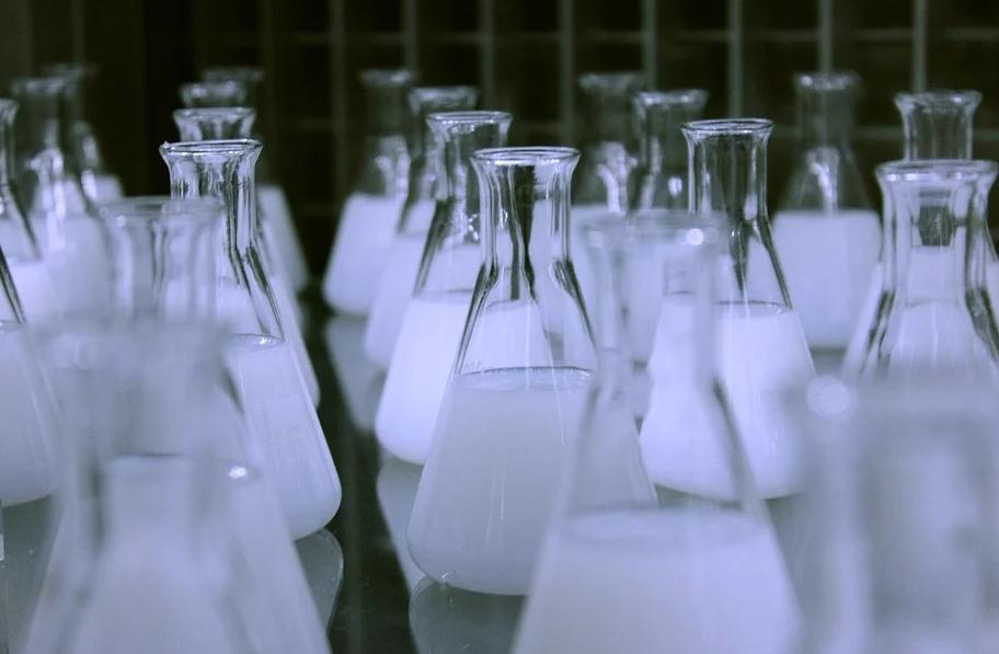 Lohnabfüllung Chemie