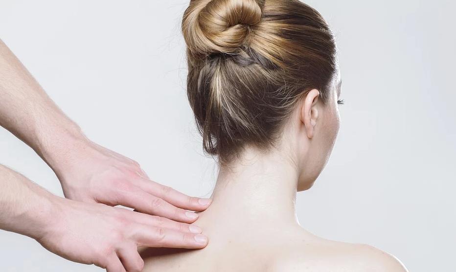 Wenn man sich ein Wärmegerä für den Nacken beschafft, ist dieser weniger verspannt